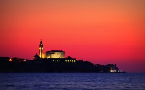 PIRAN__Noüni_pogled_iz_Strunjana,_PIRAN_Night_wiew_from_Strunjan_srednja_3654_big
