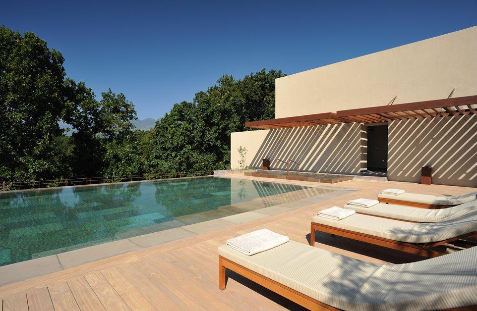 Hôtel piscine Vana