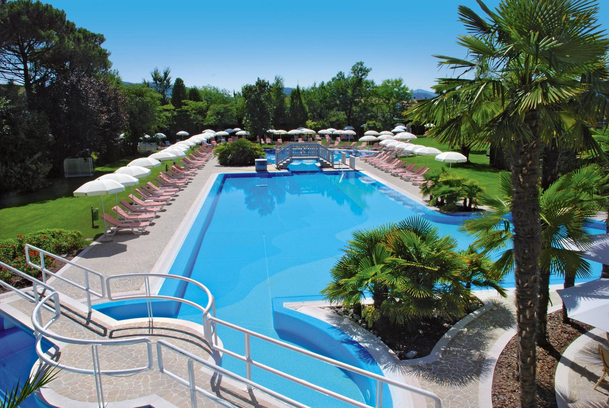 Ermitage bel air medical hotel in Italy, fasting for arthritis with SpaDreams, swimming pool