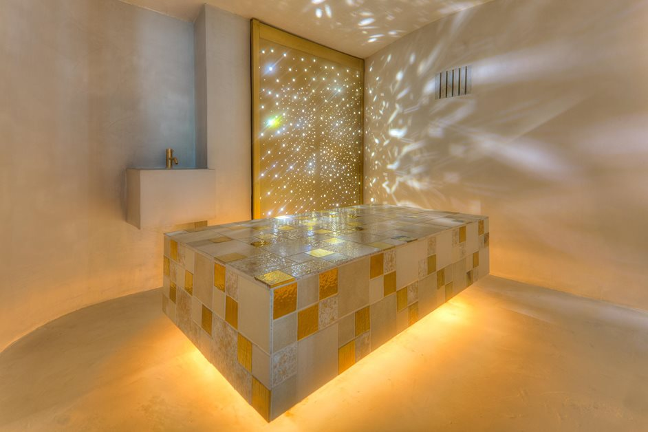 Aguas de Ibiza sparkly bathroom in the hotel
