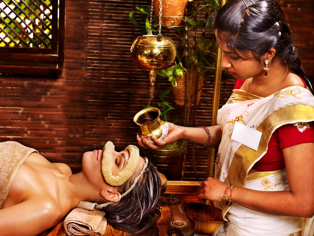 Traditional Ayurveda treatment for the eyes